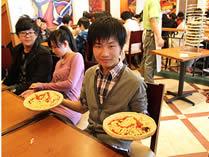 澳大利亚国际高中学生聚餐