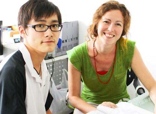 上海澳大利亚国际高中学生与家长是怎样互动的?学校住宿环境和餐饮服务怎样?