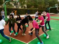 美国巴斯图高中上海校区篮球场