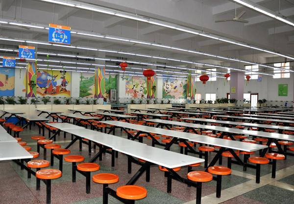 上海金苹果双语学校餐厅