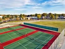 上师大附二外剑桥双语学校羽毛球场、网球场