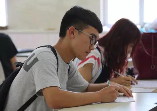 北京爱迪国际学校美国高中11年级入学要求?