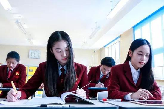 北京爱迪国际学校高中部招收插班生吗?