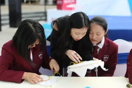 北京爱迪美国高中部是否招收外籍学生?