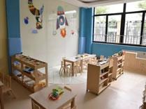 上海学乐星幼儿园教室一角