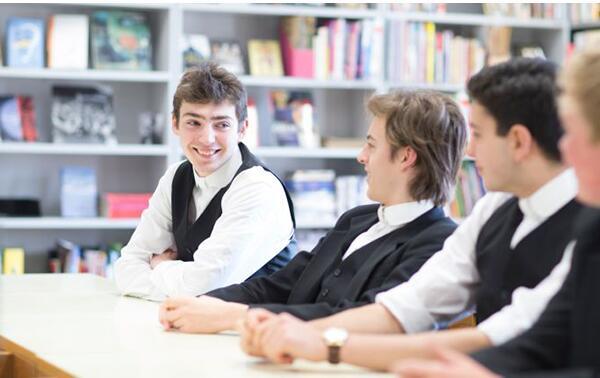 北外国际高中Alevel课程班招生简章