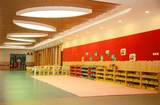 幼儿园三层积木区
