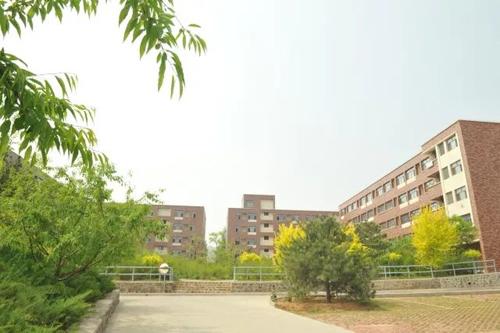 北京前景国际高中校园一景