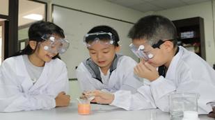 成都协同学校科学实验室