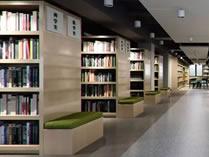 北京明诚外国语学校图书馆