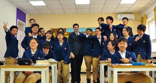 北京中关村外国语学校高中国际班学生