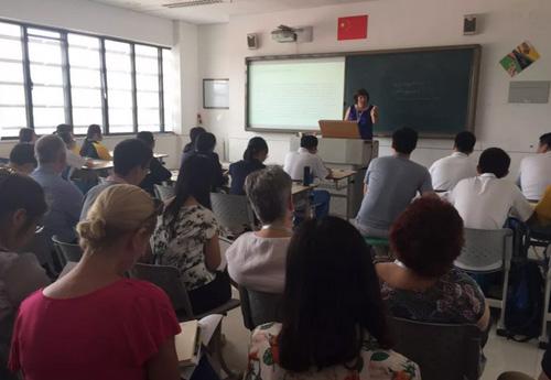 澳洲VCE课程老师定期来北京中关村外国语学校督导教学