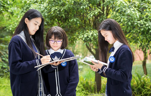 成都七中国际部学生