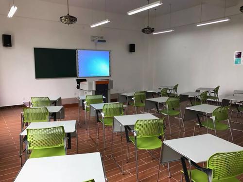 上海國王國際高中金山校區教室