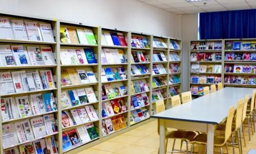 上海國王國際高中徐匯校區閱覽室