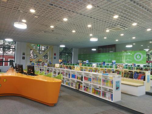 上海燎原雙語學校圖書館