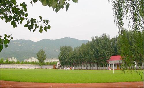北京海淀区尚丽外国语学校操场