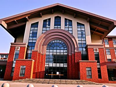 上海英澳新国际高中图书馆