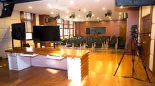 上海融育北美国际高中多媒体教室
