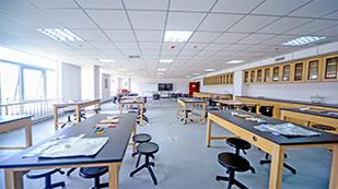 博格思加州学校的实验室