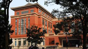 上海应用技术大学国际高中图书馆