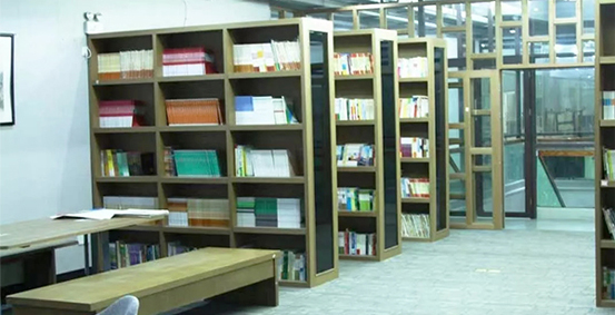 上海白求恩纪念中学阅览室