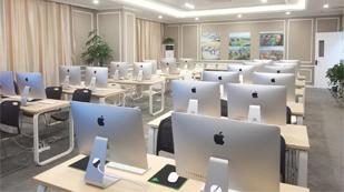 南昌力迈中美国际学校计算机房