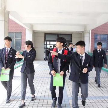 上海枫叶国际学校初中招生简章