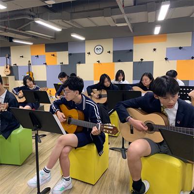 上海宏文学校高中部招生简章