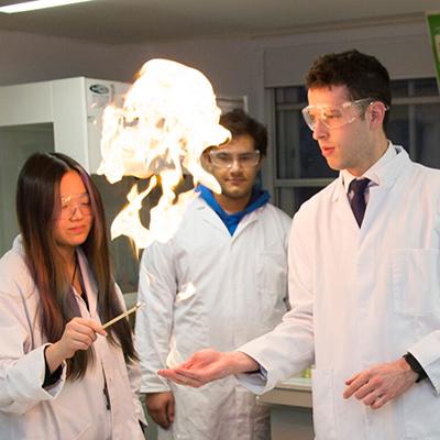 青岛东方剑桥文理学校英国Advanced A-Level课程招生简章
