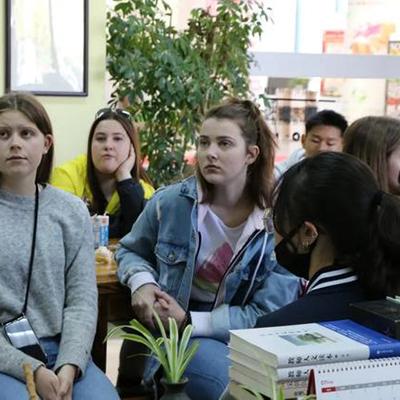 上海西外国际学校高中部招生简章